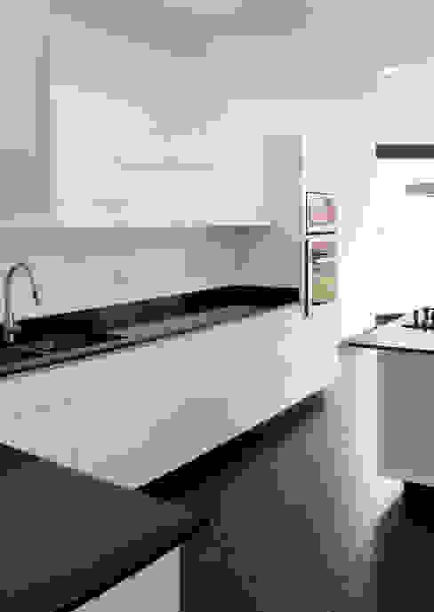 Cocina - RESIDENCIA YK3 Molcajete Arquitectura Interiores Diseño Cocinas minimalistas