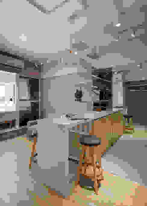 Dining room by 有偶設計 YOO Design