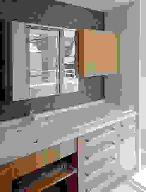 フルオーダー洗面化粧台 滝沢設計合同会社 モダンスタイルの お風呂