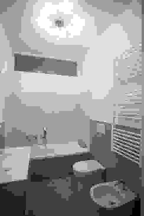 Baños de estilo  por Ristrutturazione Case
