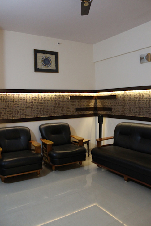 Mrs Deepas Residence:  Corridor & hallway by Rubenius Interiors,Modern