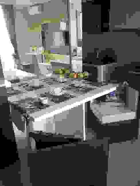 Dago Suite - Batik studio Ruang Makan Klasik Oleh POWL Studio Klasik