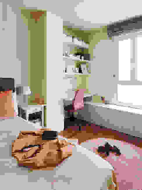 Un dormitorio femenino y singular Noelia Villalba Dormitorios de estilo moderno