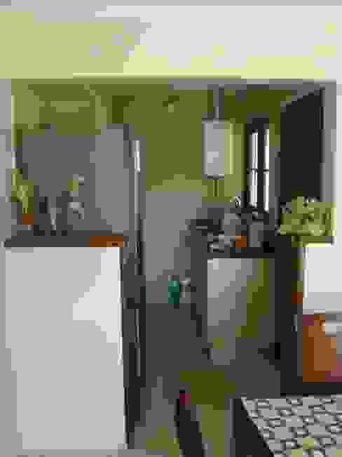 Módulos de cocina de estilo  de DIEGO ALARCÓN & MANUEL RUBIO ARQUITECTOS LIMITADA, Mediterráneo