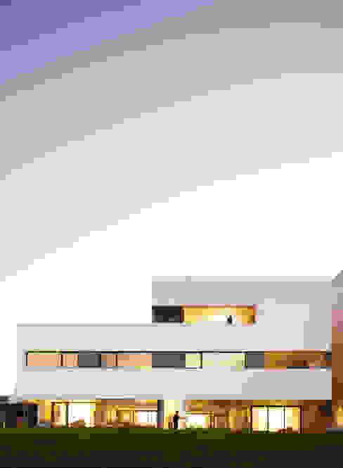 by AGi architects arquitectos y diseñadores en Madrid Minimalist Reinforced concrete