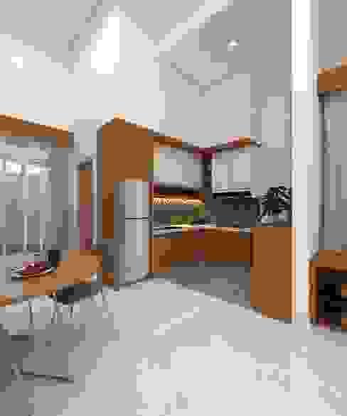 PERUMAHAN TROPIS PEKANBARU: Dapur built in oleh CASA.ID ARCHITECTS,