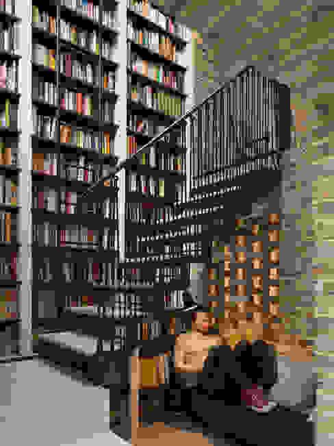 modern  by FACtotum Architecture, Modern Bricks