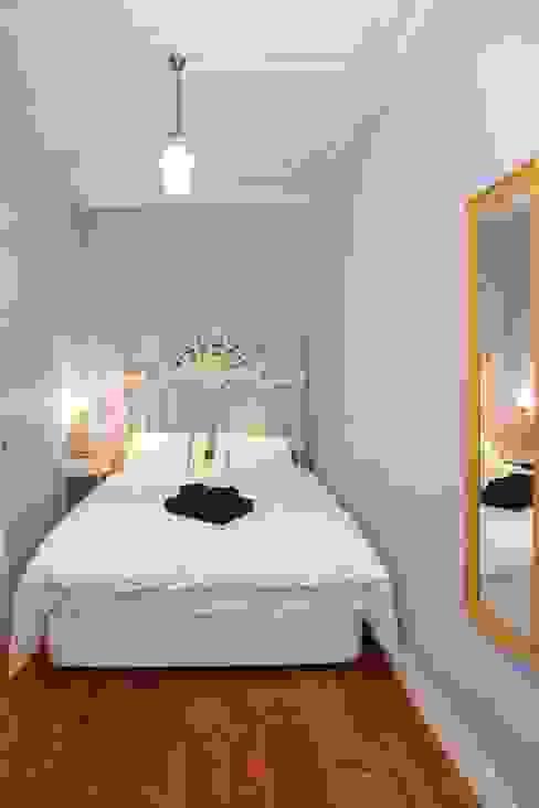 Projecto I.T recycling - A cabeceira de cama I.T Recycling QuartoAcessórios e decoração Madeira maciça Branco