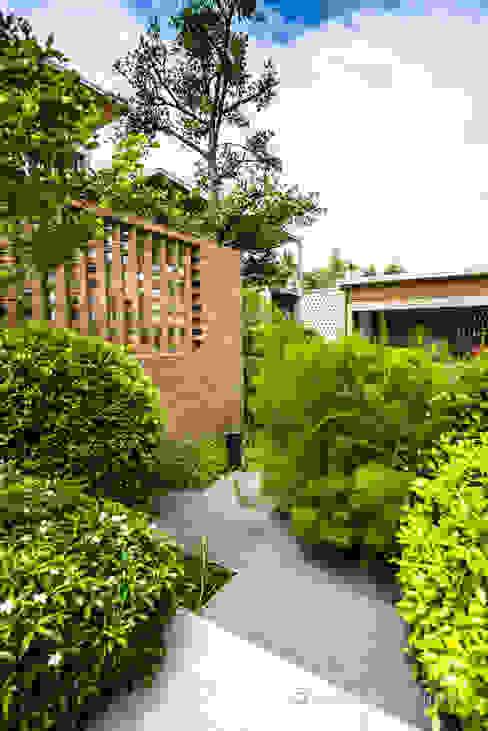 LINEAGE HOUSES D' Architects Studio สวน
