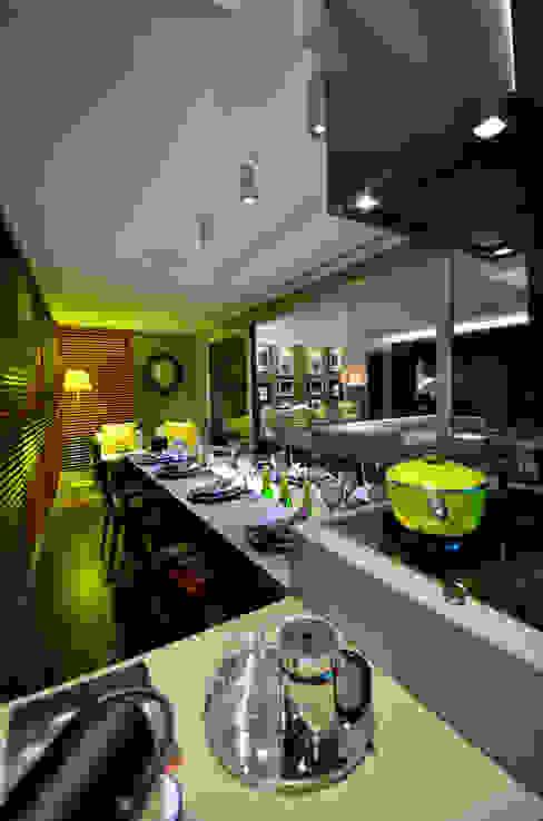 Detalhe bancada: Salas de jantar  por BG arquitetura   Projetos Comerciais,Moderno