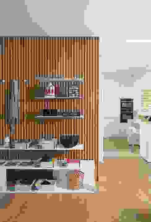 Hành lang, sảnh & cầu thang phong cách tối giản bởi Didonè Comacchio Architects Tối giản Gỗ Wood effect