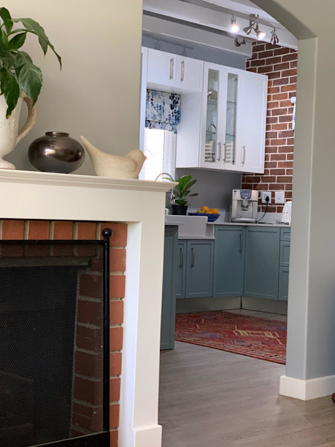 view to new kitchen:  Kitchen by CS DESIGN