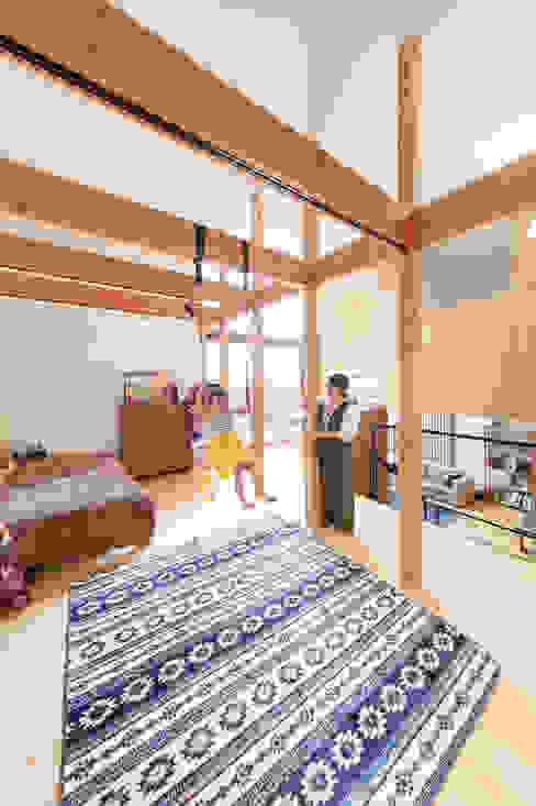 スキップフロアでオープンな子供部屋 モダンデザインの 子供部屋 の 株式会社建築工房DADA モダン