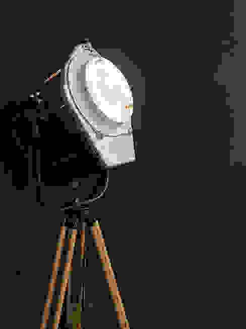 La lampada vintage. Rifò StudioIlluminazione Legno Nero
