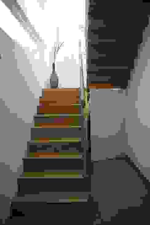 KANTON SCALE SAS di Paul Kanton & C. SAS Stairs Solid Wood