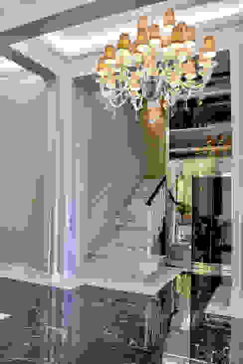 Corridor, hallway & stairs by MULTIFORME® lighting