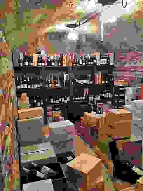 ShoWine Rustic style wine cellar
