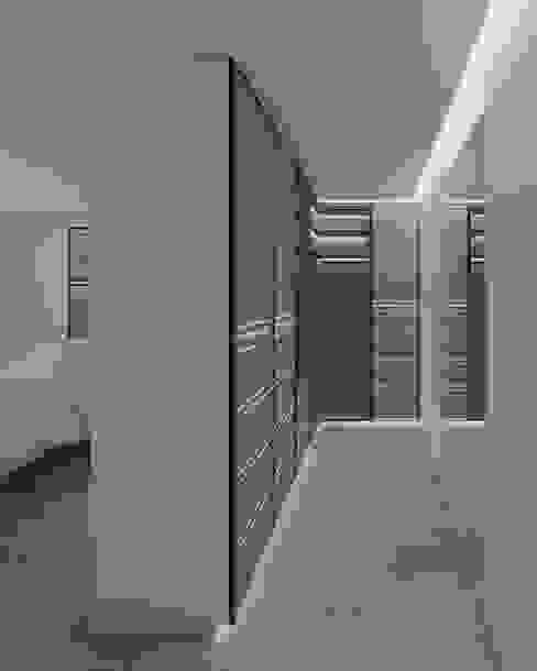 Modern Dressing Room by DR Arquitectos Modern