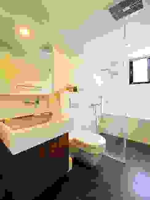 明亮的衛浴空間 根據 直方設計有限公司 日式風、東方風