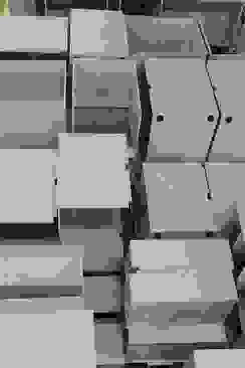 Fábrica de Sonhos! DIONI Home Design Escritórios industriais