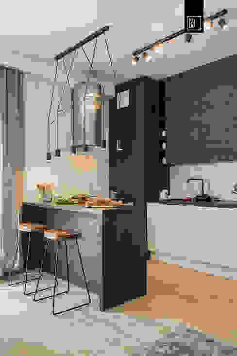 MĘSKIE WNĘTRZE Кухня в стиле модерн от KODO projekty i realizacje wnętrz Модерн