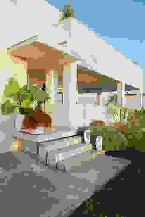 Ingresso Case moderne di manuarino architettura design comunicazione Moderno