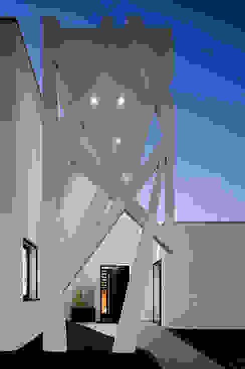 A2+ ARQUITECTOS Paredes e pisos modernos