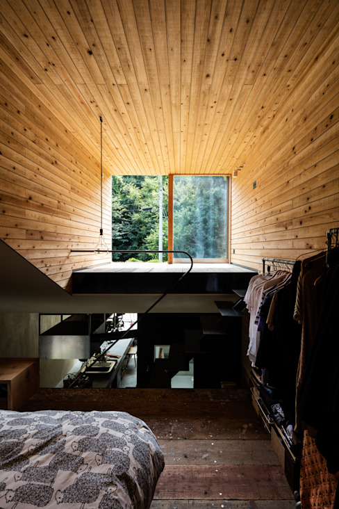 草屋根の家 の TENK ミニマル 無垢材 多色