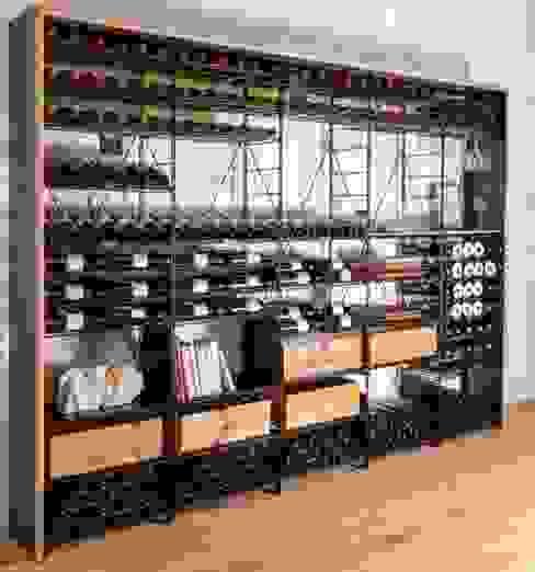 Strutture di stoccaggio Vino Cantina moderna di ShoWine Moderno