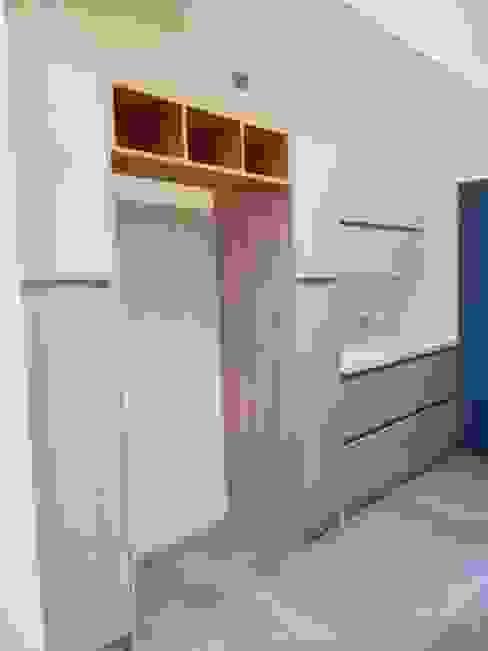 根據 Quo Design - Diseño de muebles a medida - Puerto Montt 現代風