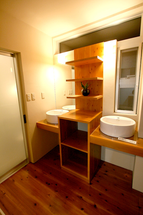洗面脱衣室 Arms DESIGN モダンスタイルの お風呂