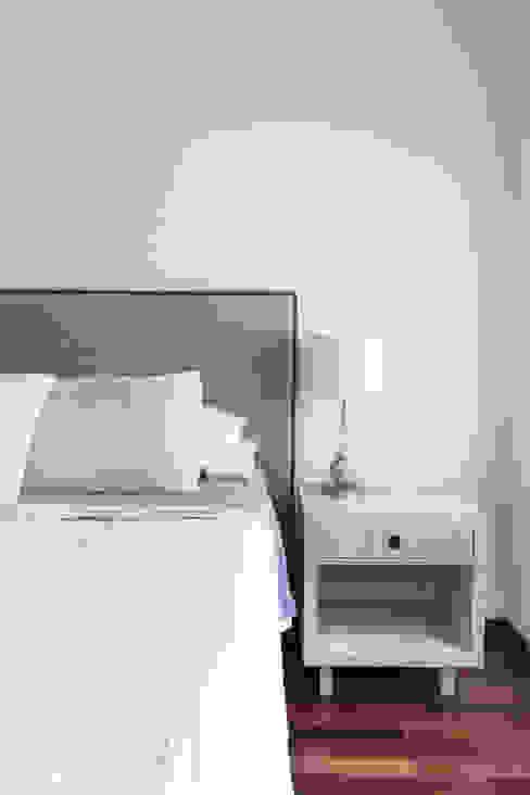 Dormitorios de estilo moderno de Bhavana Moderno