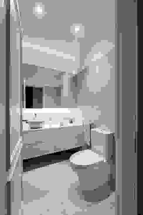 Modern Bathroom by MOBEC Modern