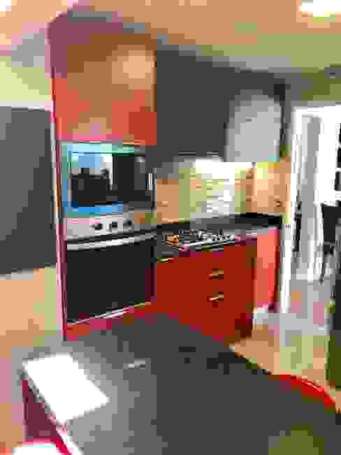Vista 5 Cocinas de estilo moderno de balConcept SpA Moderno