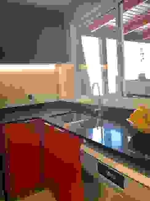 Vista 10 Cocinas de estilo moderno de balConcept SpA Moderno