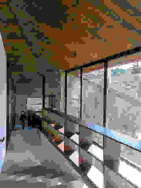 Casa en Cumbrecita TECTUM Pasillos, vestíbulos y escaleras modernos