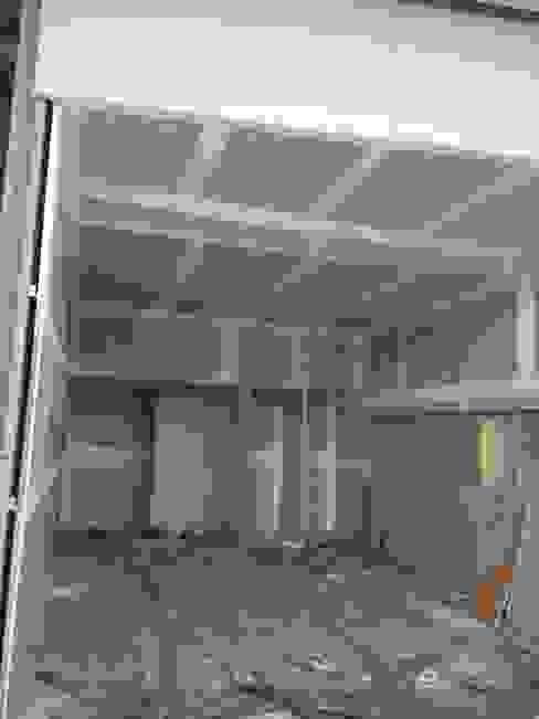 Avances de construcción en los primeros 7 días de Faerman Stands y Asoc S.R.L. - Arquitectos - Rosario Minimalista