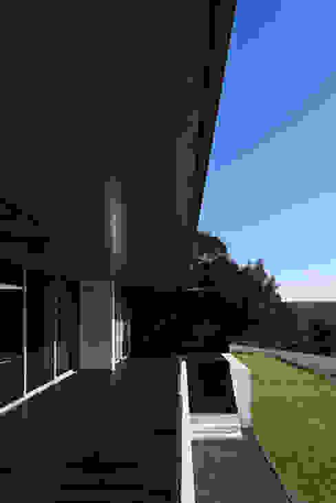 Projecto Xieira I A2+ ARQUITECTOS Varandas, marquises e terraços modernos