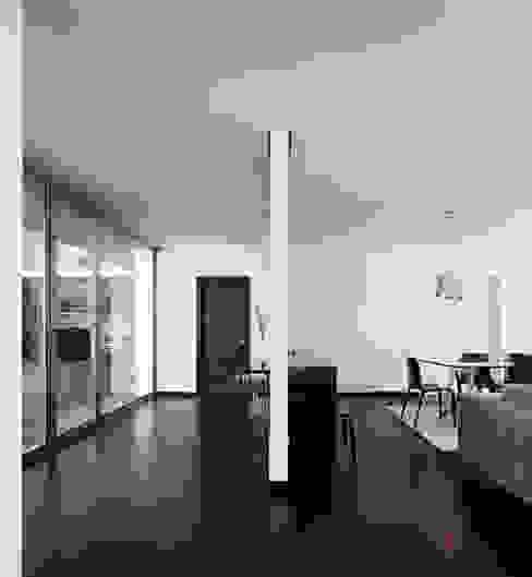 Projecto Xieira I A2+ ARQUITECTOS Salas de jantar modernas