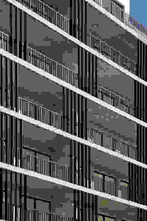 par SMF Arquitectos / Juan Martín Flores, Enrique Speroni, Gabriel Martinez Moderne