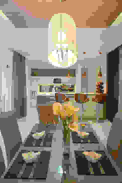 Ruang Makan:  Ruang Makan by Exxo interior
