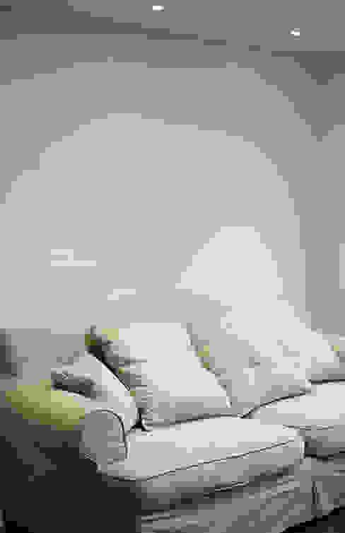 غرفة المعيشة تنفيذ 스테이 모던 (Stay Modern)