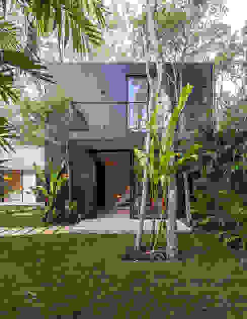 bởi Obed Clemente Arquitectos Nhiệt đới Bê tông