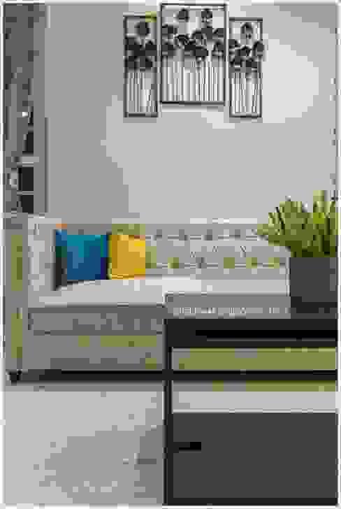 Living room Modern living room by GREEN HAT STUDIO PVT LTD Modern