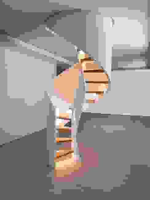 Escaleras de estilo  por Siller Treppen/Stairs/Scale, Moderno