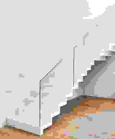 bởi Siller Treppen/Stairs/Scale Hiện đại Đá hoa
