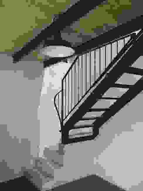 Cascinale novarese ristrutturato completamente di Arch. Francesco Antoniazza - Il bello della casa ..................... di una volta Moderno
