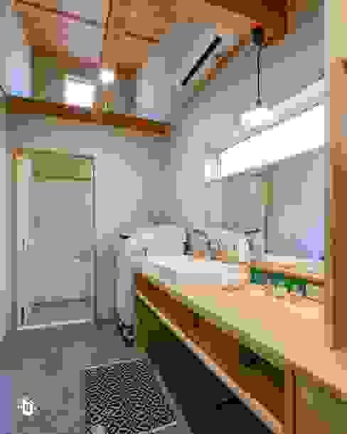 """嫌いな家事の""""洗濯""""をデザイン てくとの家 オリジナルスタイルの お風呂 木 木目調"""