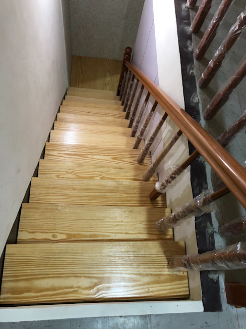von 茂林樓梯扶手地板工程團隊 Modern