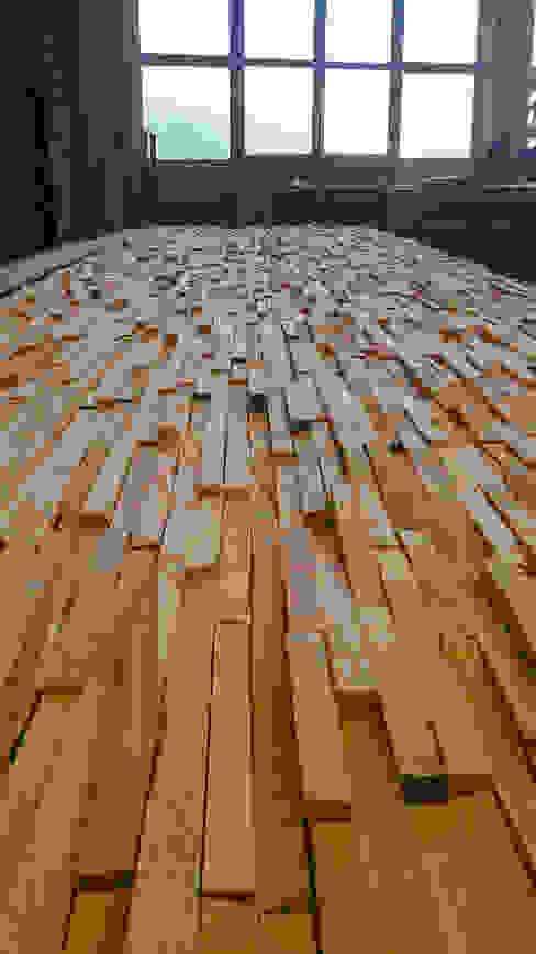 Balcão de Cozinha com painéis em madeira por Home Recover Rústico